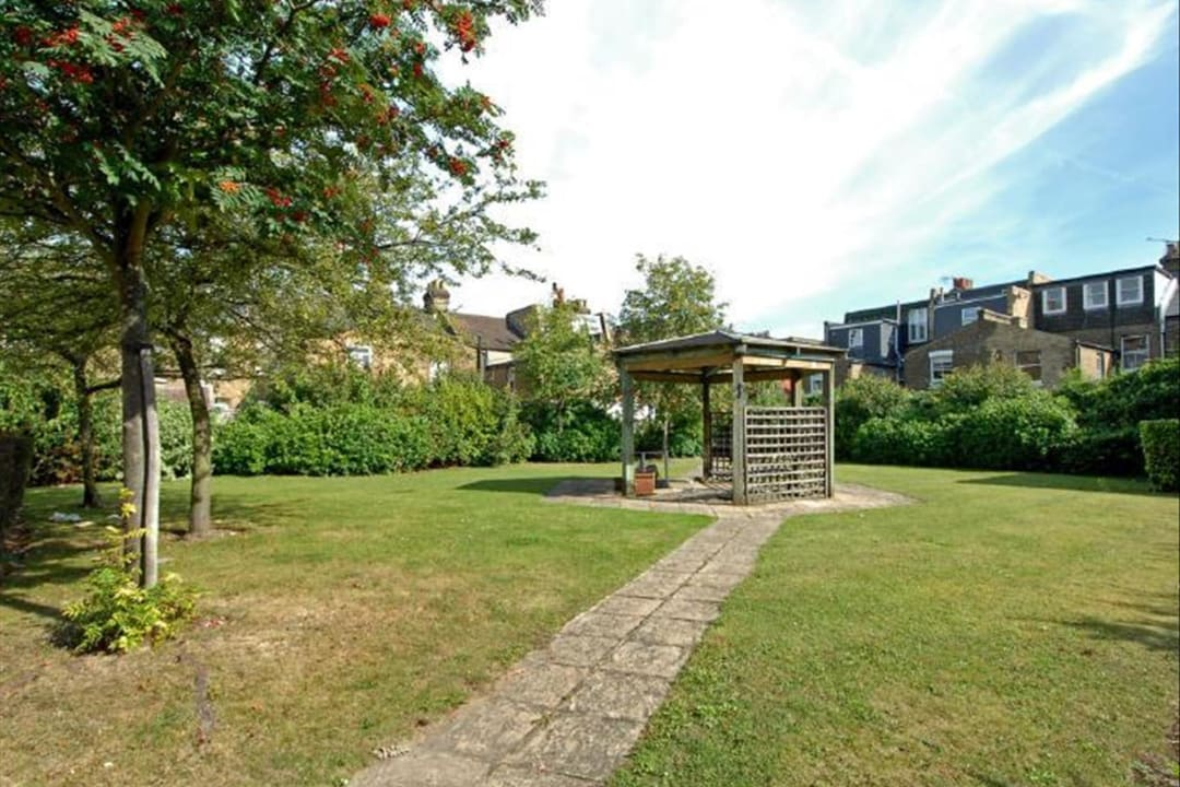 Flat to rent in Hertford Court, Falcon Road, SW11 2PH - view - 7