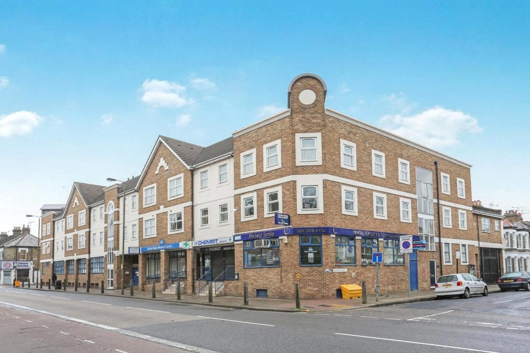 Flat to rent in Hertford Court, Falcon Road, SW11 2PH - view - 8