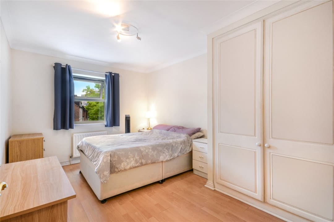 Flat to rent in Hertford Court, Falcon Road, SW11 2PH - view - 3