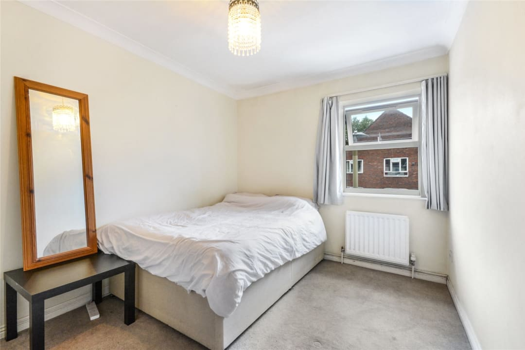 Flat to rent in Hertford Court, Falcon Road, SW11 2PH - view - 5