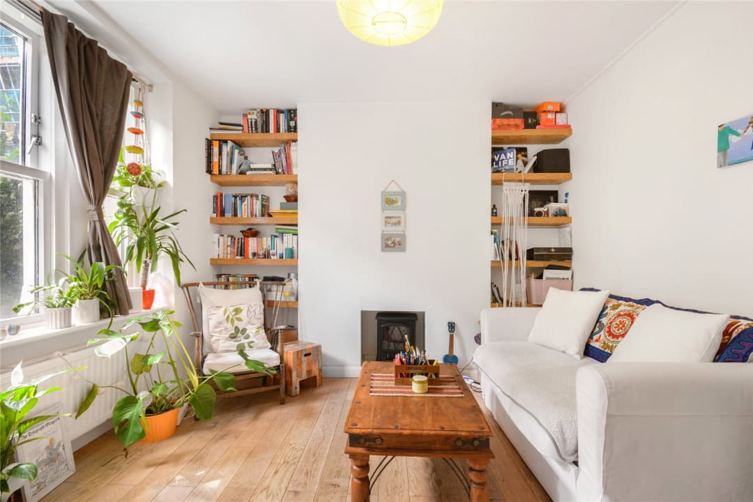 Flat to rent in Kingsley Flats, Old Kent Road, SE1 5XB - view - 1
