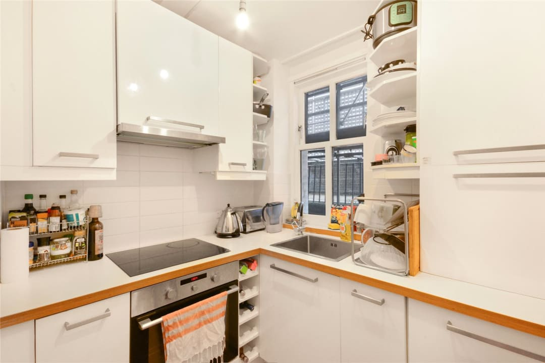 Flat to rent in Kingsley Flats, Old Kent Road, SE1 5XB - view - 4