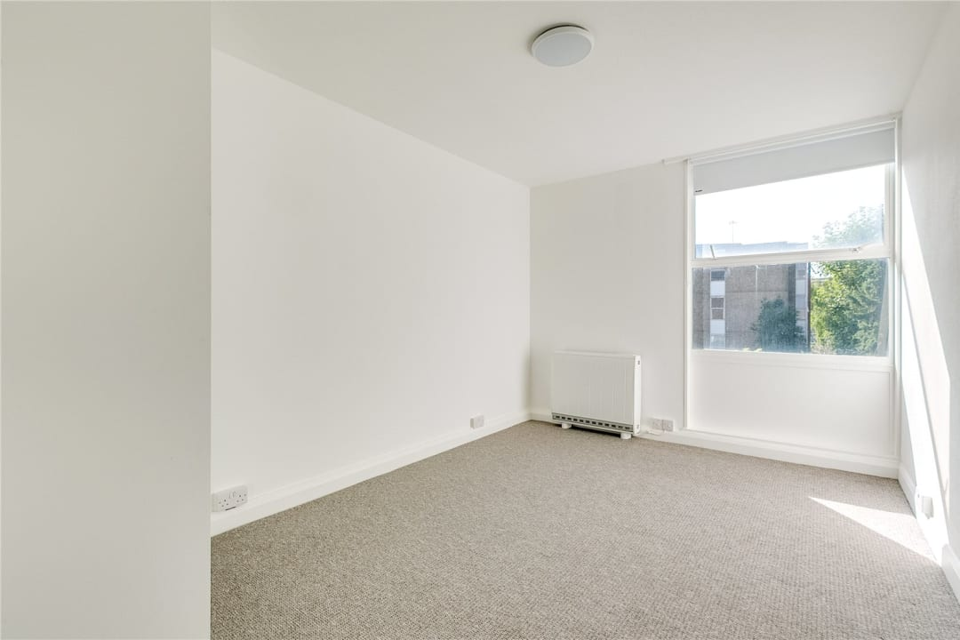Flat to rent in Kite House, 50 Meyrick Road, SW11 2NJ - view - 6