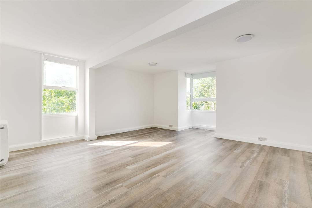 Flat to rent in Kite House, 50 Meyrick Road, SW11 2NJ - view - 2