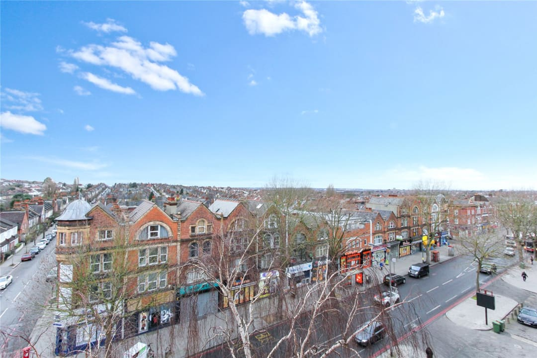 Flat to rent in London Road, Norbury, SW16 4EA - view - 10