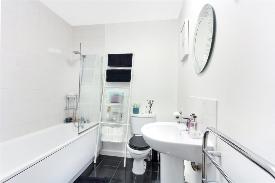 Flat to rent in London Road, Norbury, SW16 4EA - view - 6