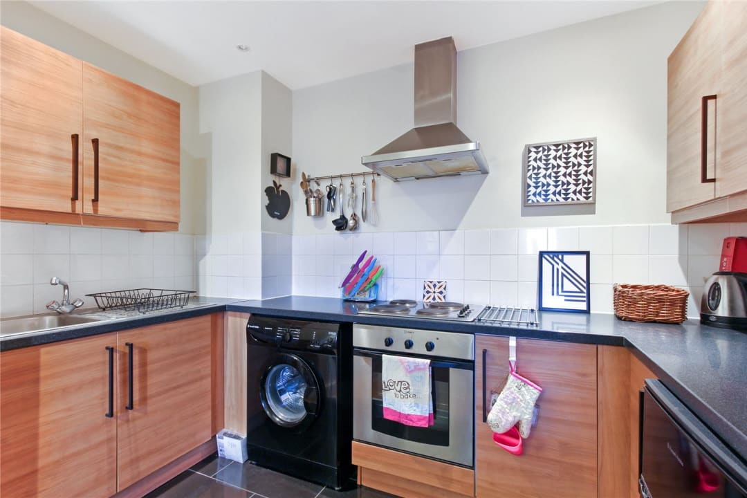 Flat to rent in London Road, Norbury, SW16 4EA - view - 8
