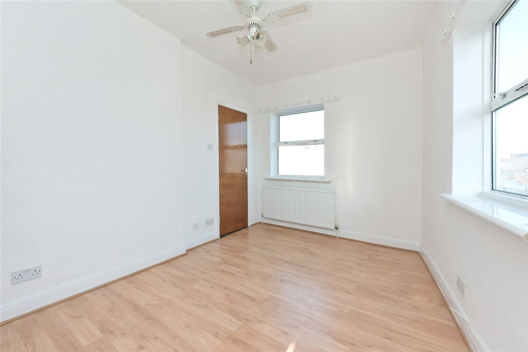 Flat to rent in Northborough Road, Norbury, SW16 4TR - view - 6