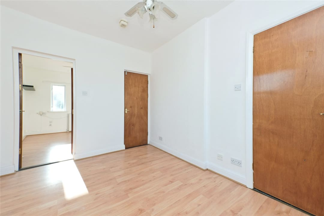 Flat to rent in Northborough Road, Norbury, SW16 4TR - view - 9