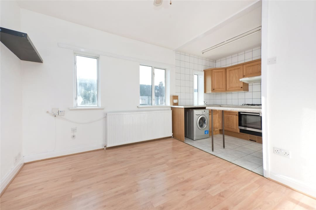 Flat to rent in Northborough Road, Norbury, SW16 4TR - view - 1