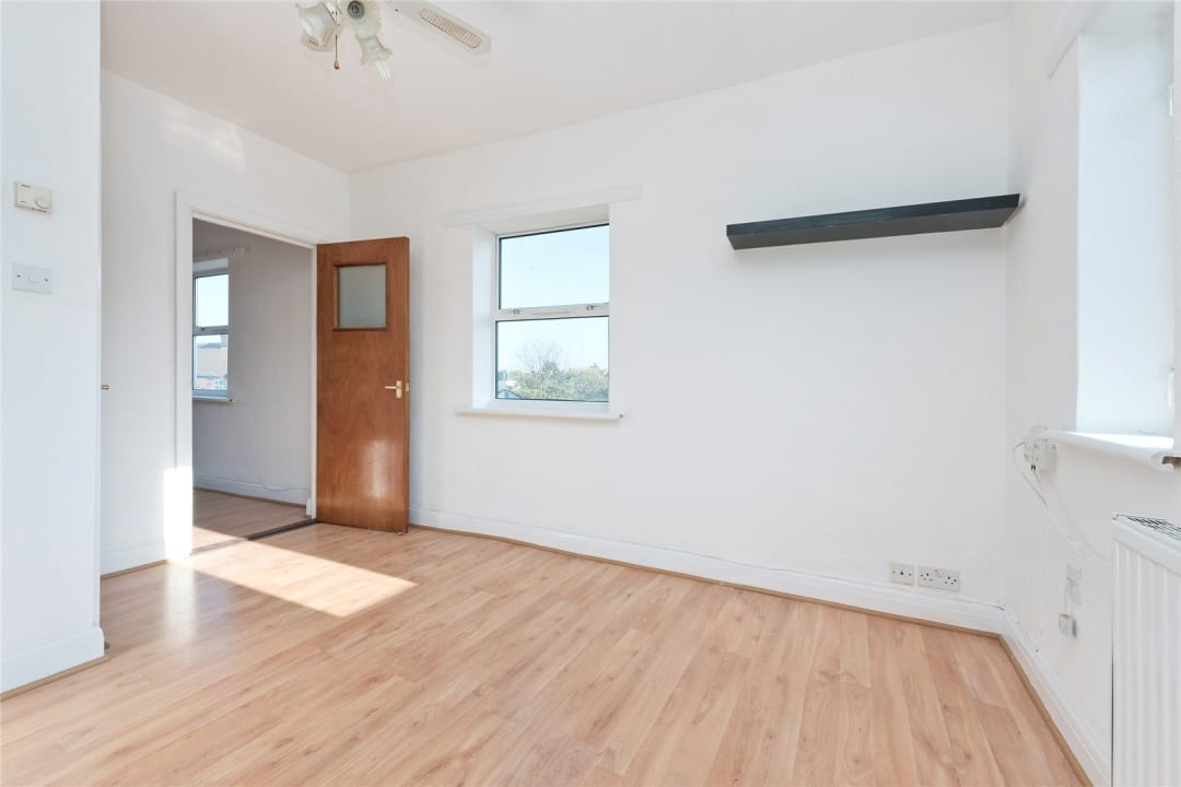 Flat to rent in Northborough Road, Norbury, SW16 4TR - view - 5