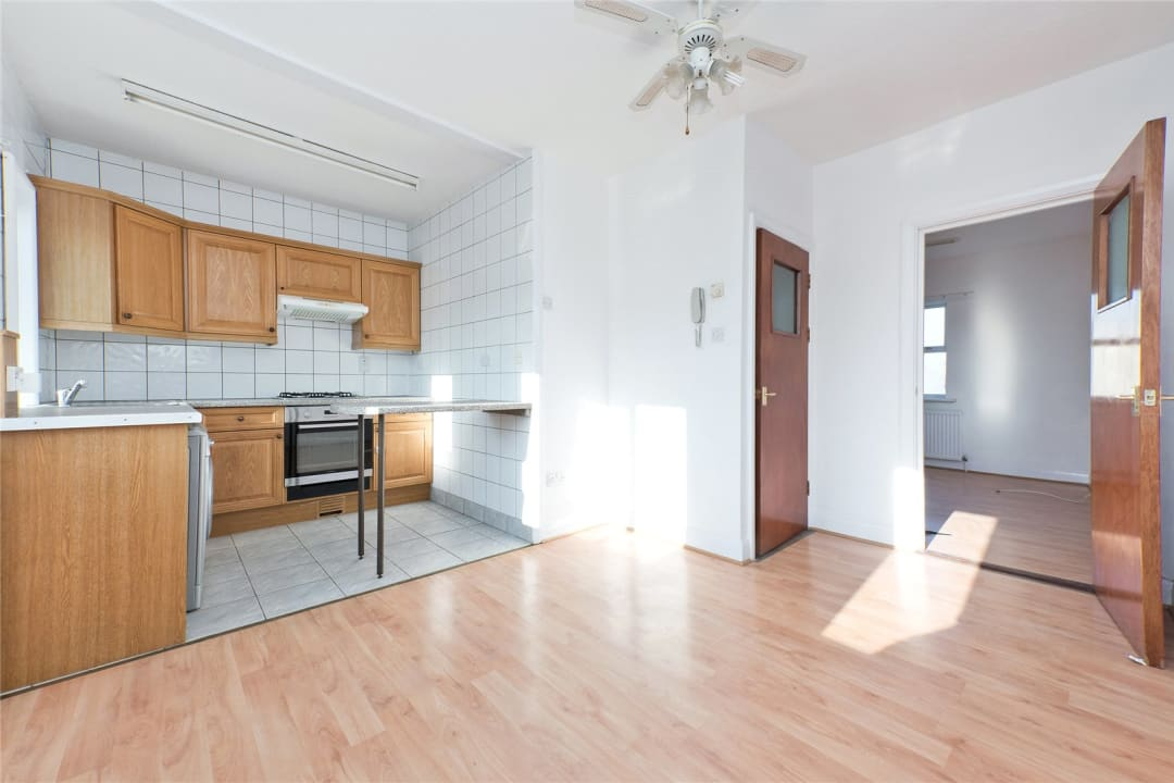Flat to rent in Northborough Road, Norbury, SW16 4TR - view - 2