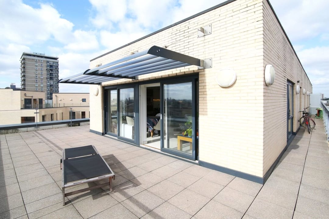 Flat to rent in Parker Building, Jamaica Road, SE16 4EF - view - 12