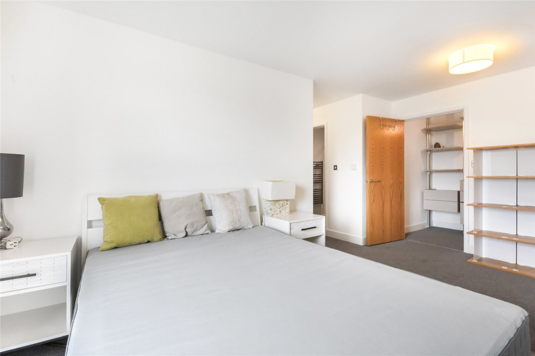 Flat to rent in Parker Building, Jamaica Road, SE16 4EF - view - 4