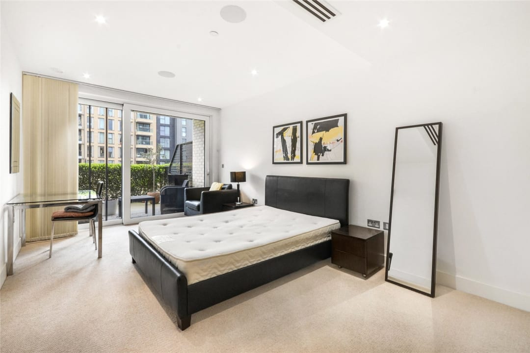 Flat to rent in Ravensbourne Apartments, 5 Central Avenue, SW6 2GN - view - 5