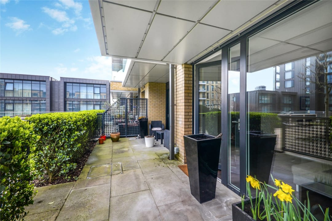 Flat to rent in Ravensbourne Apartments, 5 Central Avenue, SW6 2GN - view - 3