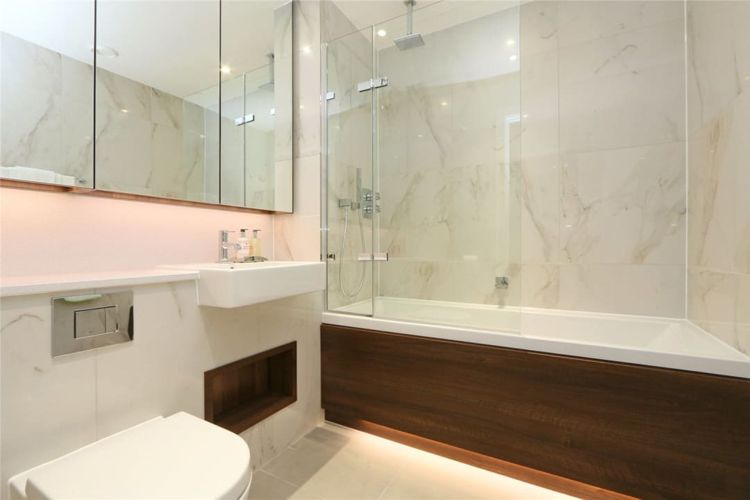 Flat to rent in Ravensbourne Apartments, 5 Central Avenue, SW6 2GN - view - 4