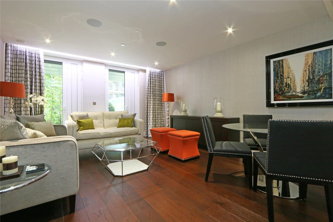 Flat to rent in Ravensbourne Apartments, 5 Central Avenue, SW6 2GN - view - 1