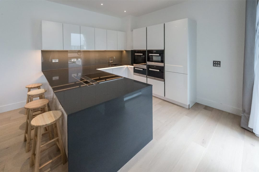 Flat to rent in Riverwalk Apartments, 5 Central Avenue, SW6 2GQ - view - 3