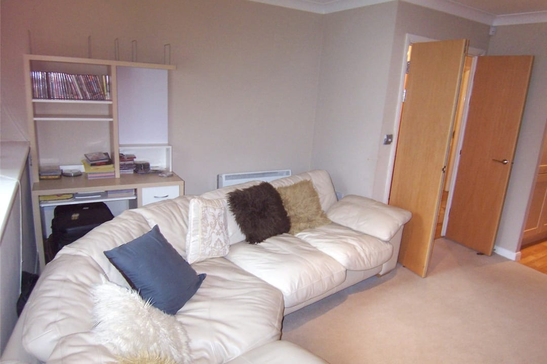 Flat to rent in Solent Court, 1258 London Road, SW16 4EY - view - 3