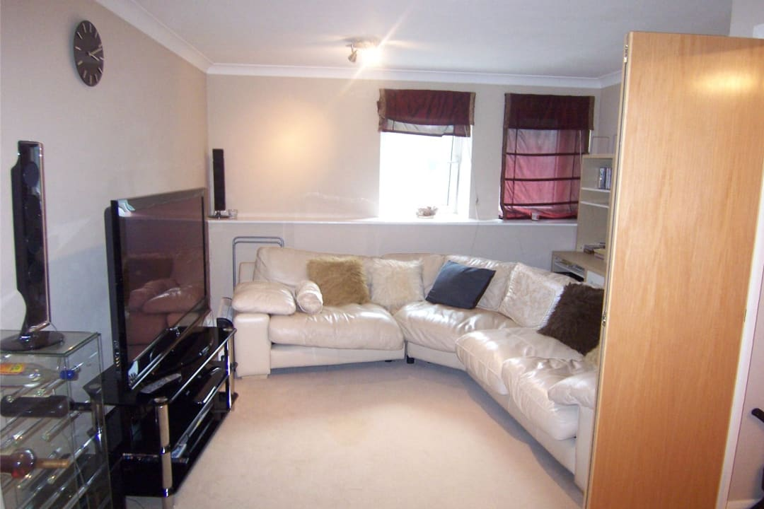 Flat to rent in Solent Court, 1258 London Road, SW16 4EY - view - 1
