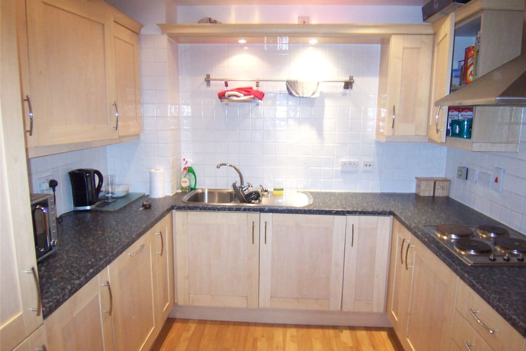 Flat to rent in Solent Court, 1258 London Road, SW16 4EY - view - 4