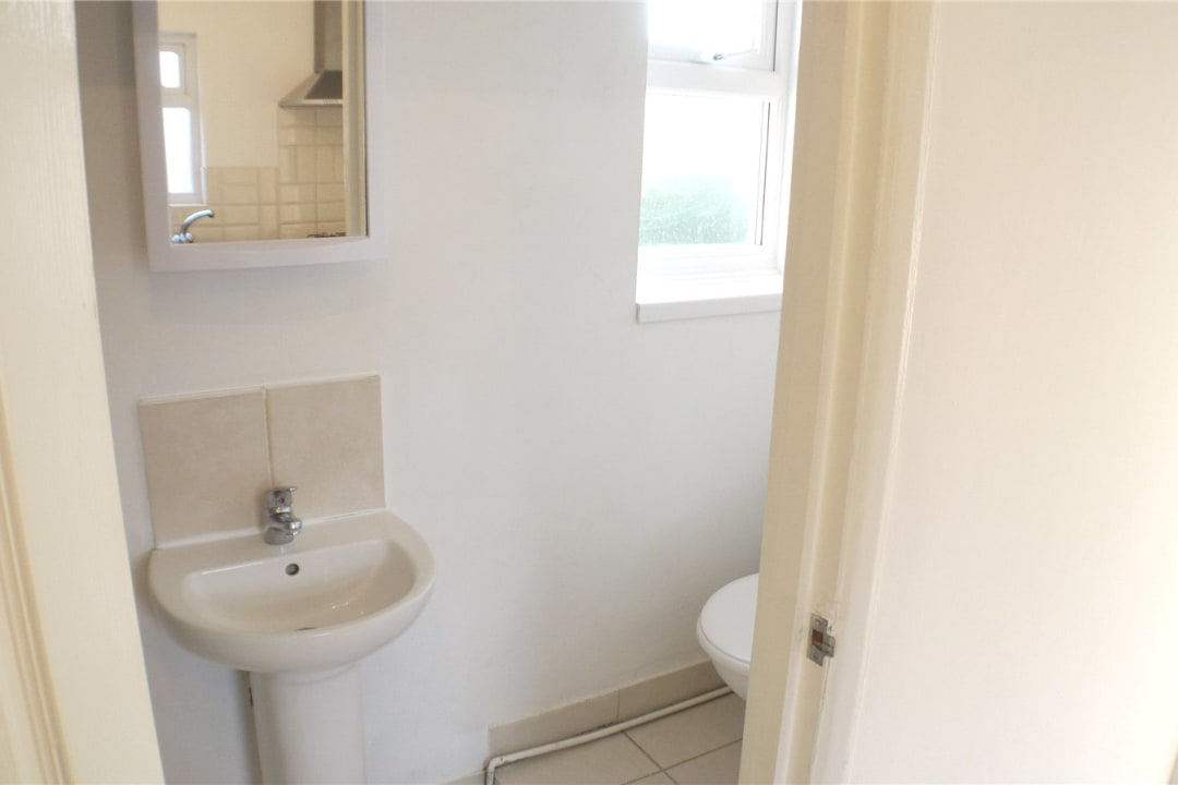 Flat to rent in St. Helen's Road, London, SW16 4LB - view - 5
