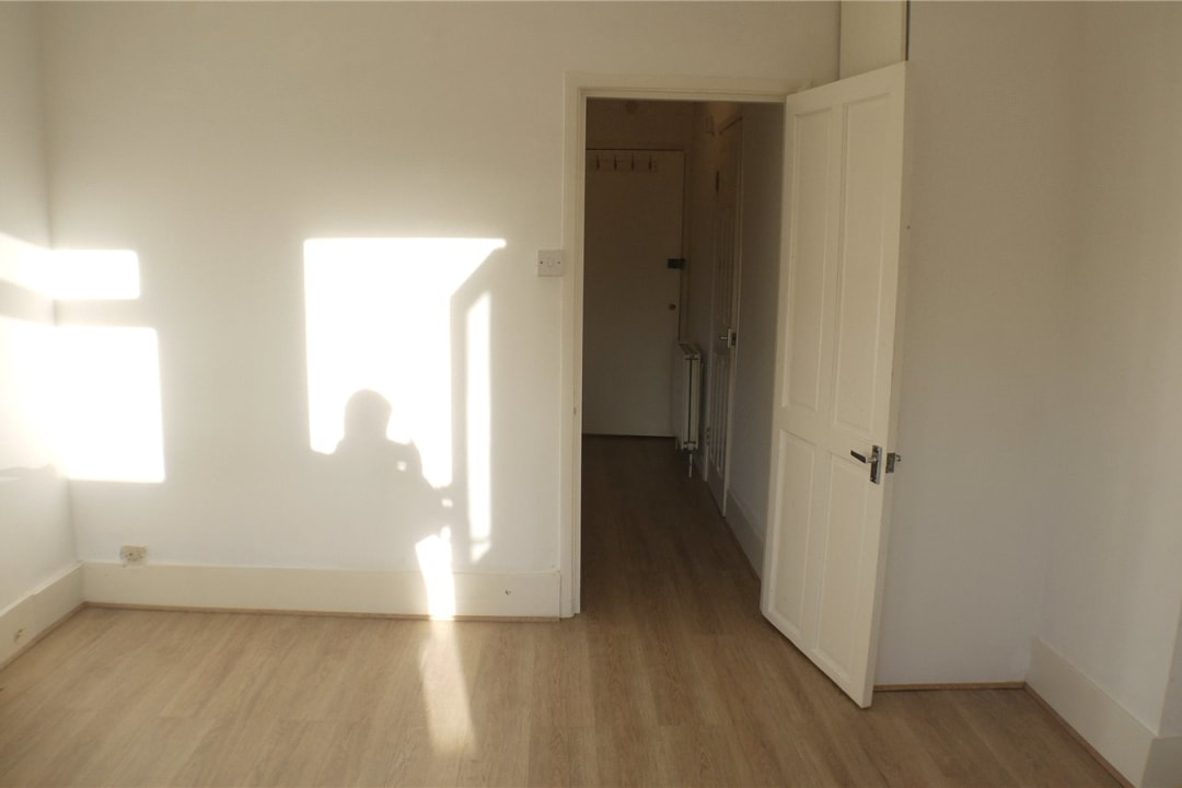 Flat to rent in St. Helen's Road, London, SW16 4LB - view - 7