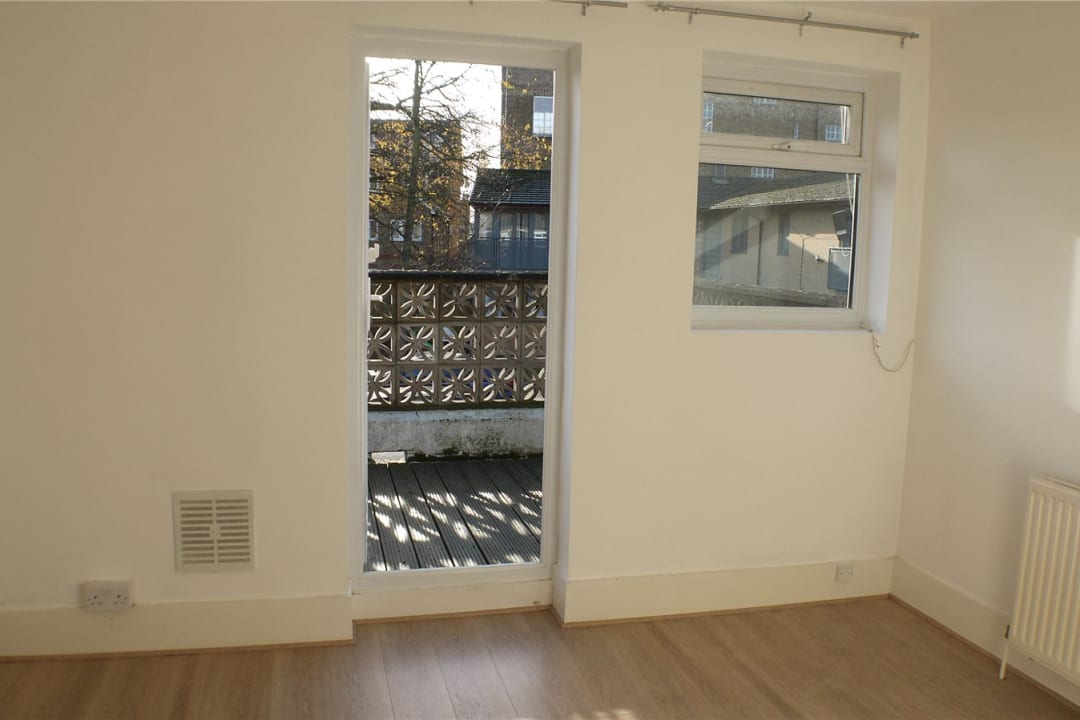 Flat to rent in St. Helen's Road, London, SW16 4LB - view - 8