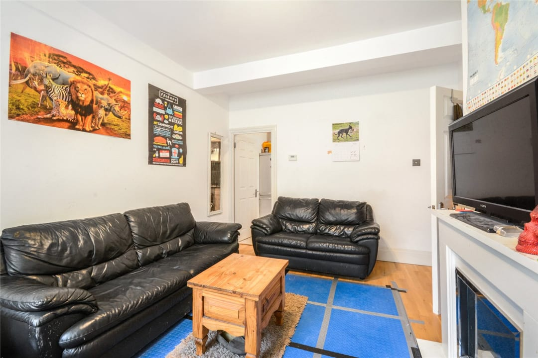 Flat to rent in St. Olaves Estate, Druid Street, SE1 2EX - view - 3