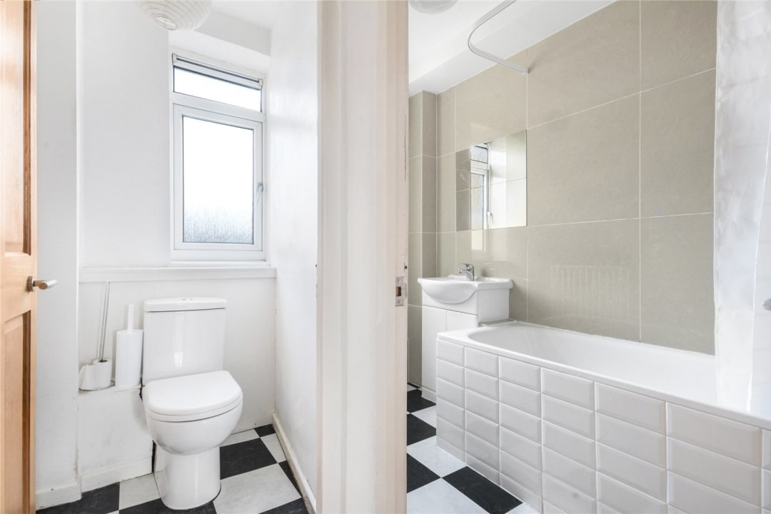 Flat to rent in Temple Court, Thorncroft Street, SW8 2BD - view - 5