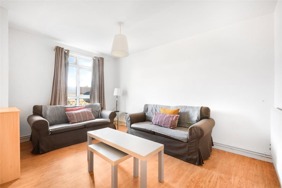 Flat to rent in Temple Court, Thorncroft Street, SW8 2BD - view - 1