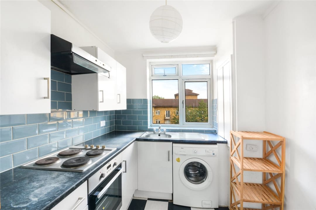 Flat to rent in Temple Court, Thorncroft Street, SW8 2BD - view - 2