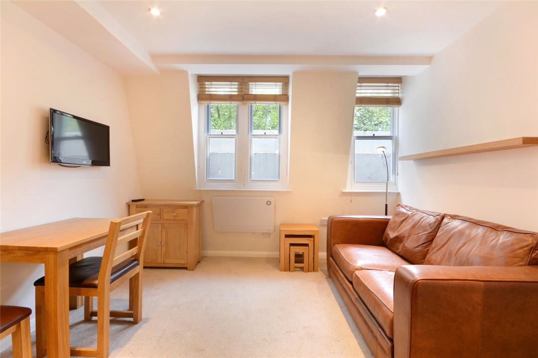 Flat to rent in Westbourne Terrace, Bayswater, W2 3UP - view - 2