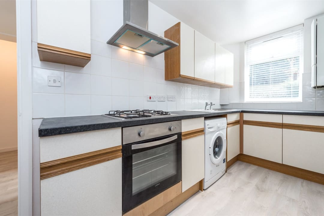 Flat to rent in Wilbraham House, Wandsworth Road, SW8 2XD - view - 3