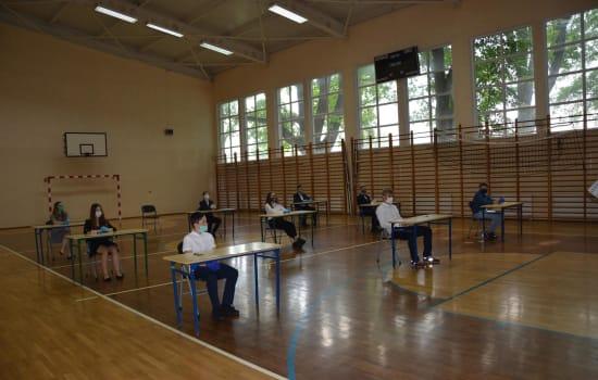 """""""Zamaskowany"""" Egzamin Ósmoklasisty 2020"""