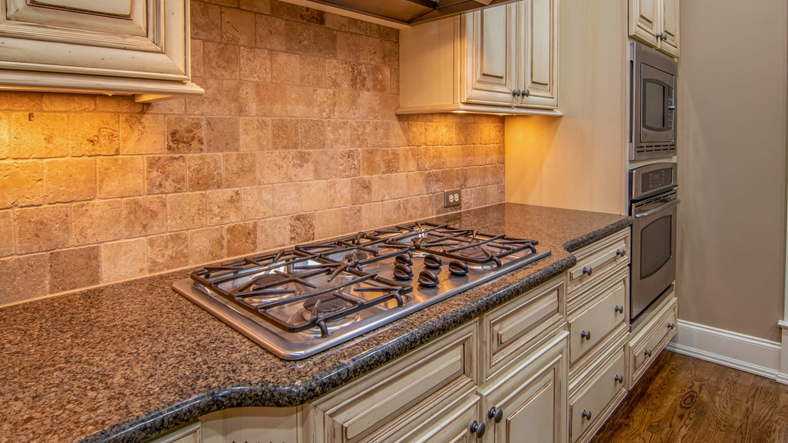 Replacing Countertops: 5 Things Every Homeowner Should Know