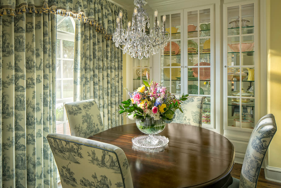 southern style dining room interior design