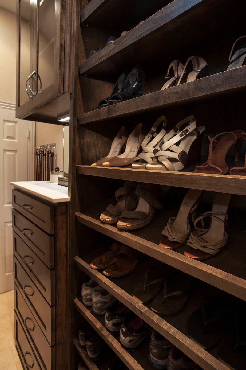 closet shoe shelving