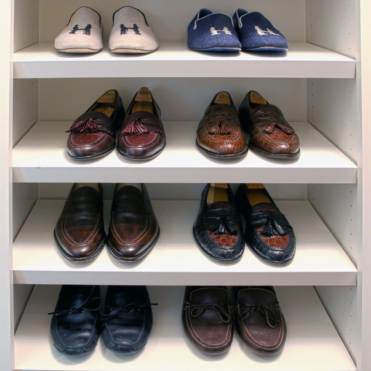 shoe shelving closet