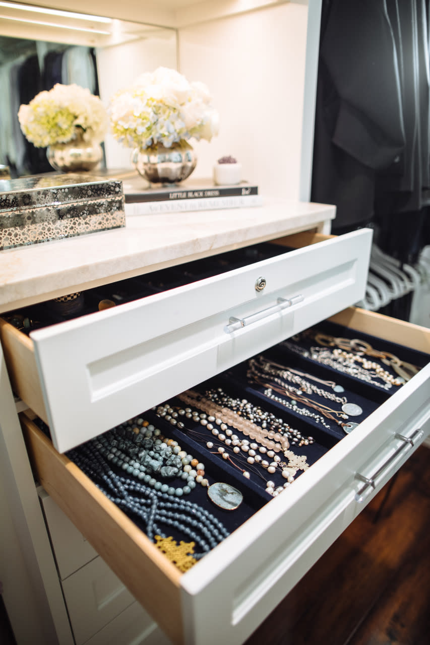 closet accessories and jewelry organizers