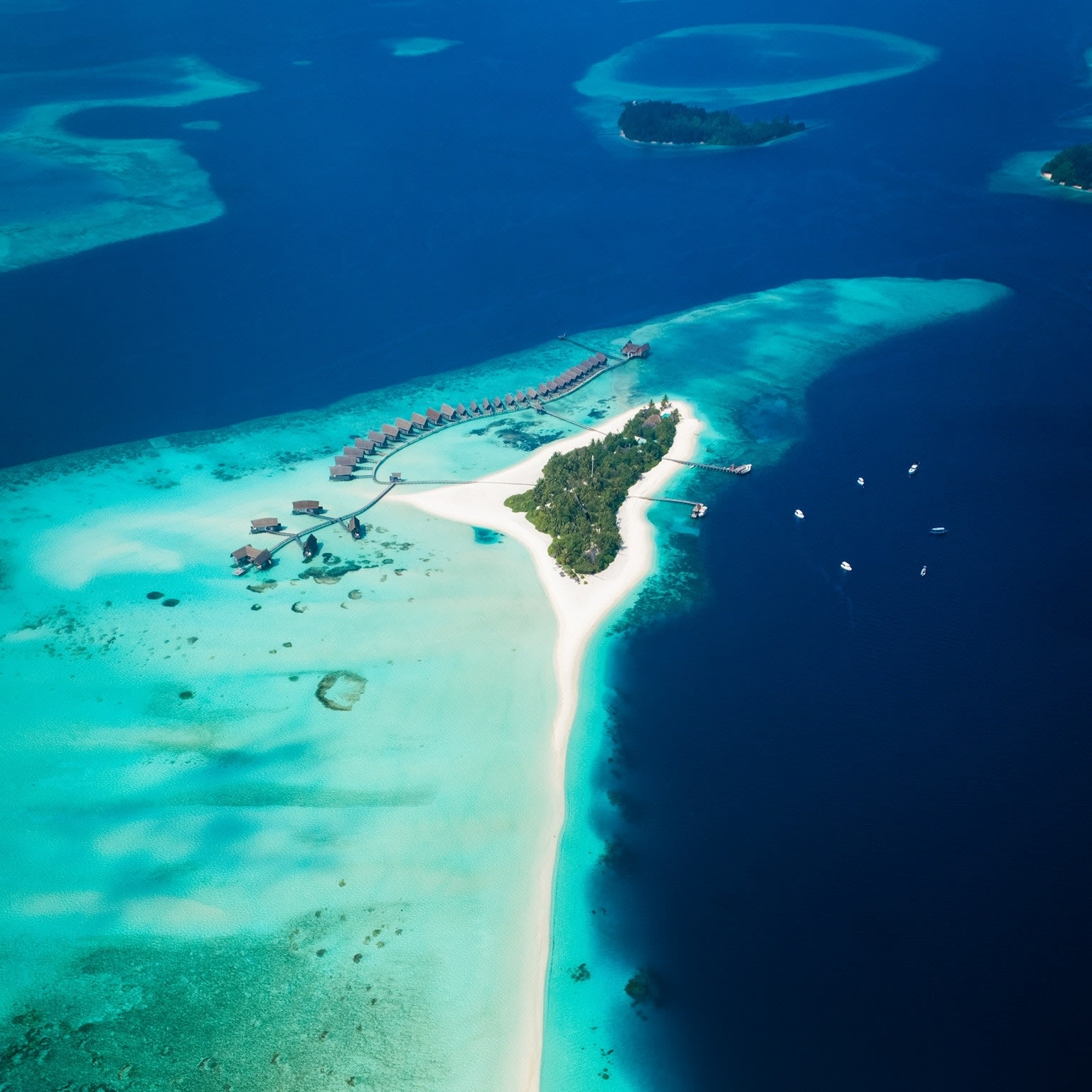 BAHAMAS ITINERARY - LUXURY YACHT CHARTER DESTINATIONS WITH B&Y