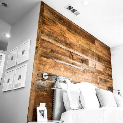 rustic-wood-accent-wall-texas