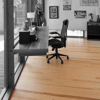 Vertical grain Yellow Pine wood flooring in Austin, TX