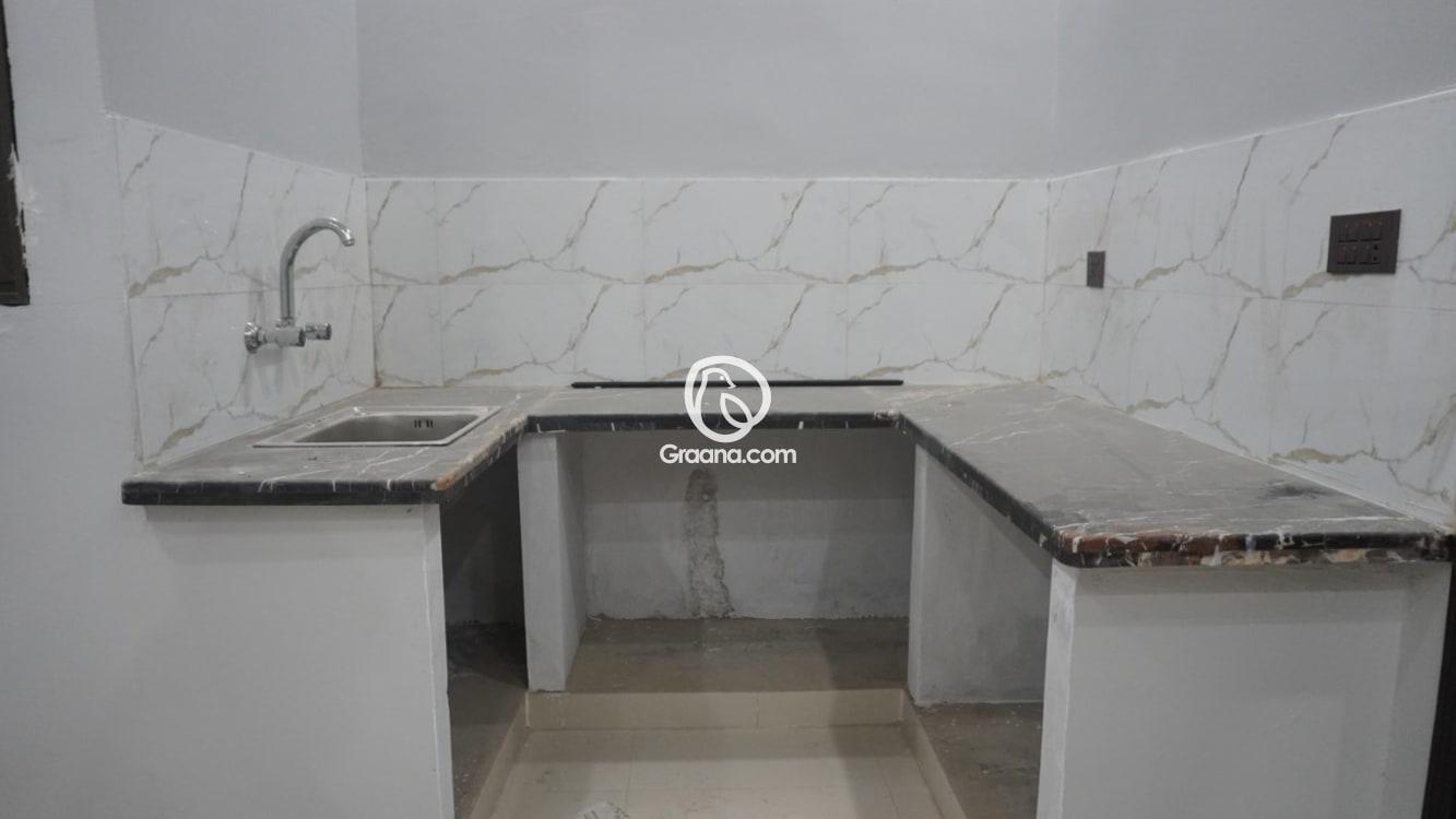 4th Floor 330 Sqyd Upper Portion for Sale  | Graana.com