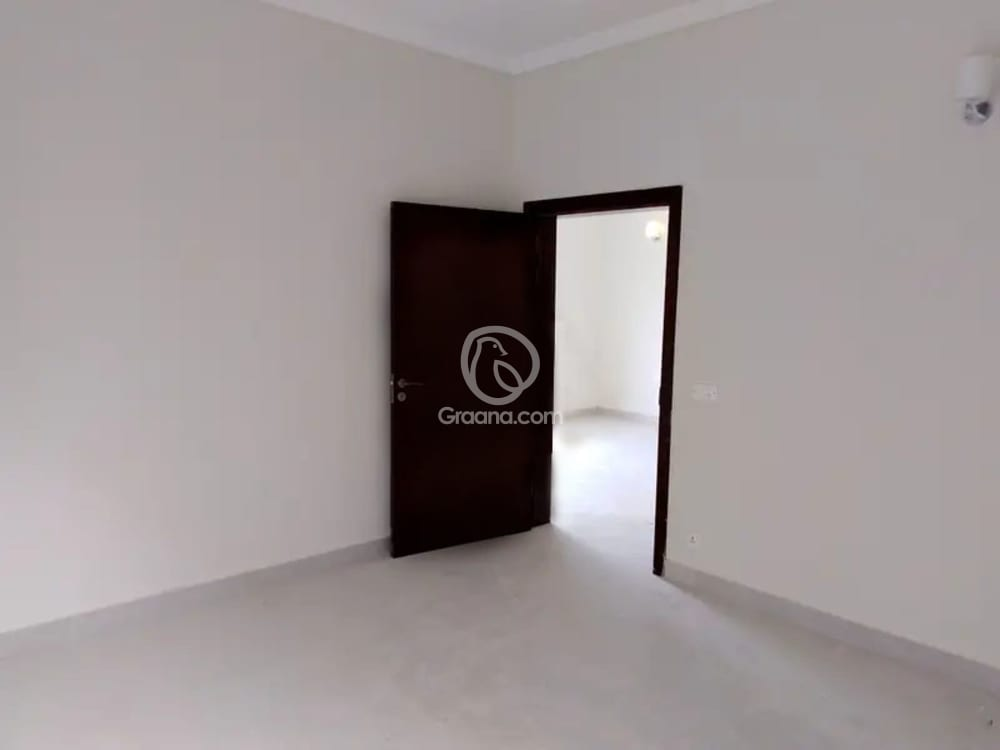152 Sqyd House For Rent | Graana.com