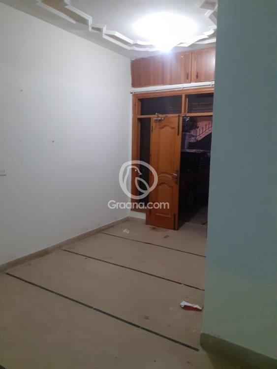 300 Sqyd  Lower Portion for Rent | Graana.com