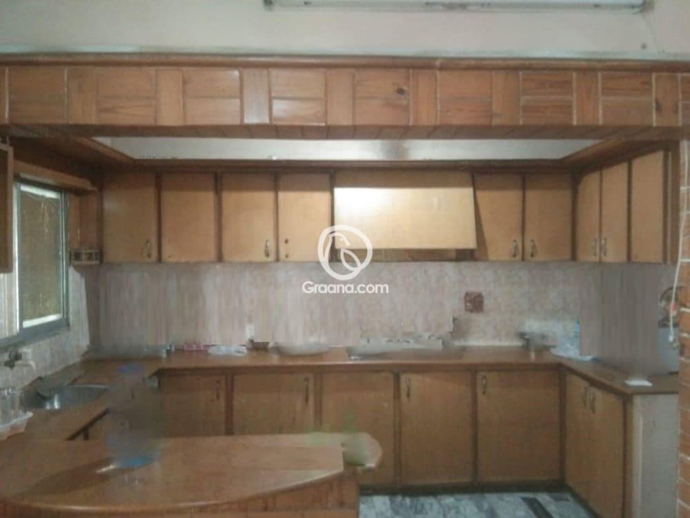 5th Floor  1300 Sqft  Apartment for Rent  | Graana.com