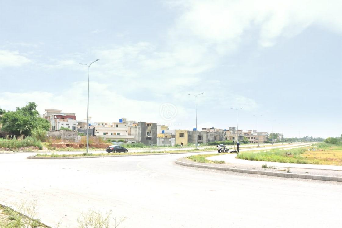16.54 Marla Residential Plot For Sale | Graana.com