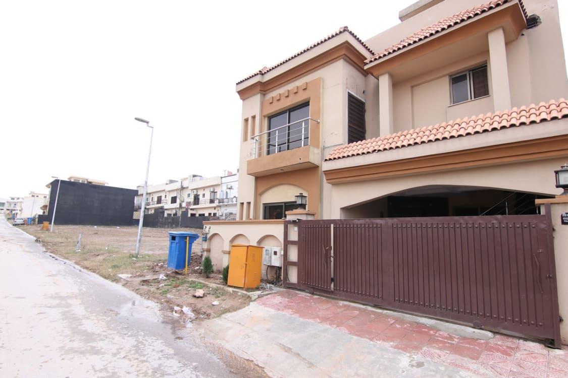 8 Marla Upper Portion For Rent | Graana.com